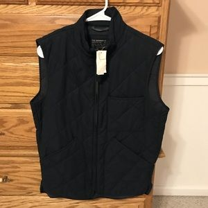 J Crew Mens Size Small Sussex Quilted Vest. NWT
